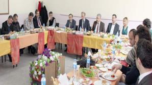 Milli Eğitim Müdürü Kuş, gazetecilere EBA'yı tanıttı