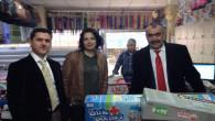 Yozgatlı öğretmen Cizre'deki öğrencilerine eli boş dönmüyor