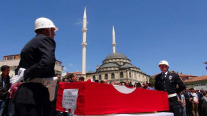 Yozgatlı şehit polis gözyaşlarıyla uğurlandı