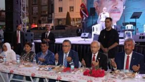 Kılıçdaroğlu, Yozgat'ta partilileri ile iftar yaptı