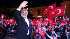 Enerji, Eski Bakanı Yıldız, Demokrasi nöbetine katıldı