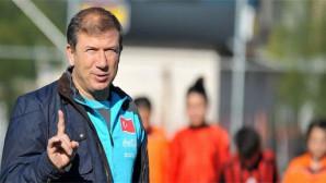 Türk futbolunun efsaneleri genç hükümlülerle buluşuyor