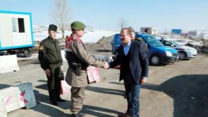 Vali Yurtnaç, Trafik uygulama noktasını ziyaret etti