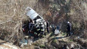 Yozgat'ta otomobil dereye uçtu: 1 kişi öldü