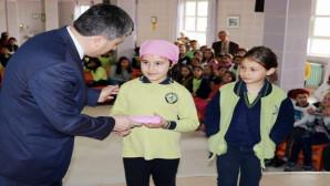 Yozgat Halk Sağlığı Müdürlüğü, öğrencilere diş fırçası ve macunu dağıttı