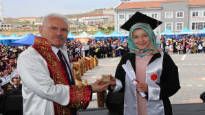 Bozok Üniversitesinde mezuniyet sevinci