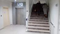 Hastanenin bozulan asansörüne vatandaş tepki gösterdi