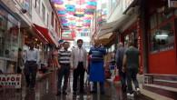 Süsler Sokağı rengarenk şemsiyelerle ilgi odağı oldu