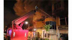 Abide İşhanında çıkan yangın korkuttu