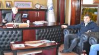 Belediye Başkanı Arslan, çağrı merkezinde telefonlara cevap verdi