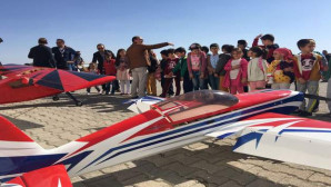 Uçurtma Şenliğinde öğrenciler gönüllerince eğlendi