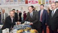 Vali Yurtnaç Tokat'ta kitap fuarına katıldı