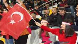 Gençler Yozgat Ülkü Ocakları gecesinde coştu