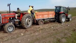 Yozgatlı çiftçiler ekinlerinin gübreleme çalışmalarına başladı
