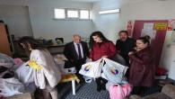 Yozgat TSO'dan öğrencilere 700 paket bot ve kaban dağıtımı