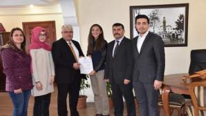 Öğrenciler topladıkları Bin lirayı Mehmetçik Vakfına bağışladı