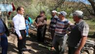 Vali Yurtnaç, Köy ziyaretlerinde vatandaşların sorun ve isteklerini dinledi