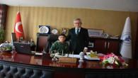 Başkan Arslan, koltuğunu 7 sınıf öğrencisi Eliaçık'a bıraktı