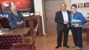 Türkiye ikincisi öğrenciler ödüllendirildi