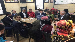 AK Parti adayı Minar, Teravih sonrası vatandaşlarla sohbet etti