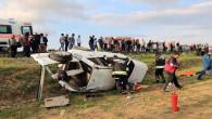 Otomobil şarampole devrildi: 3 kişi öldü