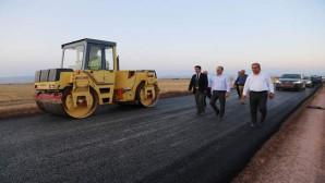 Vali Yurtnaç: Köy yollarımızın standardını yükseltiyoruz