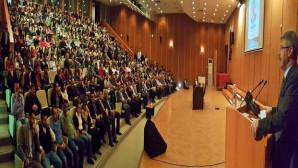 Başkan Akay, Erü Seyrani Ziraat Fakültesi kariyer günlerine katıldı