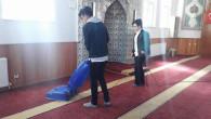 Ülkücü gençlerden cami temizliği