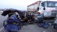 Otomobil ile servis minibüsü çarpıştı: 3 ölü 8 yaralı