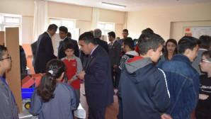 Cumhuriyet Ortaokulu TÜBİTAK Bilim Fuarı büyük beğeni topladı