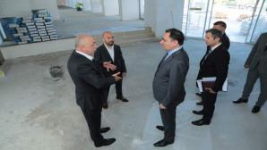 Vali Çakır, yenileme çalışması devam eden Çamlık Oteli inceledi