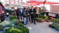 Vali Çakır, sebze pazarını gezdi