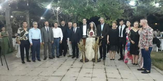 Eren Kurban'da evlenenler kervanına katıldı