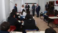 Vali Çakır'dan AYÇ Okuluna ziyaret