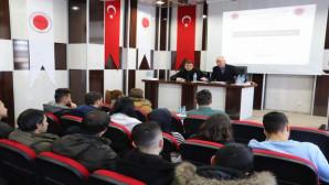 Gazeteci Çaylak, deneyimlerini öğrencilerle paylaştı