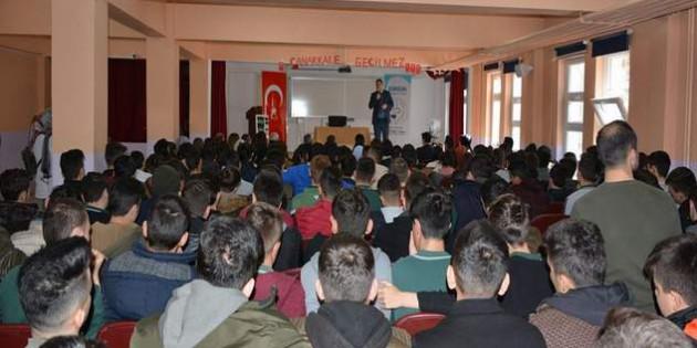Başkan Ekinci, Kariyer Günleri'nde öğrencilere hitap etti
