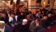 Camilerde cemaatle namaz kılmaya ara verildi