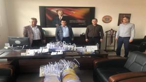 Sağlık Sen'den 112 Sağlık çalışanlarına tıbbi malzeme yardımı