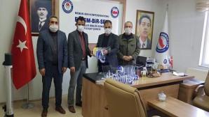 Eğitim Bir Sen'den PTT çalışanlarına maske desteği
