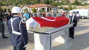 Trafik kazasında hayatını kaybeden asker toprağa verildi