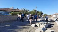 Başkan Köse, yol yapım ve kaldırım çalışmalarını yerinde inceledi