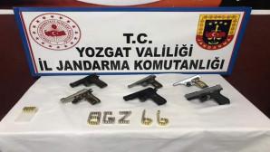 Jandarma ekipleri 6 ruhsatsız tabanca ele geçirdi