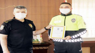 Yozgat Emniyet Müdürü Esertürk, personelini teşekkür belgesiyle ödüllendirdi