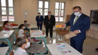 Vali Polat, minik öğrencilerin heyecanına ortak oldu