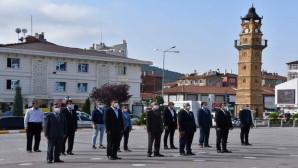Yozgat'ta ilköğretim haftası çelenk sunumu ile başladı