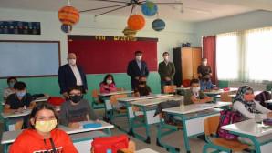 Yazıcı, Sorgun ve Saraykent'te öğrencilerle bir araya geldi