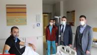 Başhekim Kozan'dan ATT çalışanı Işıksoy'a moral ziyareti