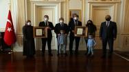 Gazilere, Devlet Övünç Madalyası ve Beratı verildi