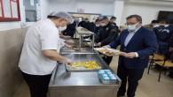 Vali Polat, Mehmetçiklerle iftar yaptı