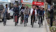 Başkan Arslan, öğrencilerle sağlıklı yaşam için pedal çevirdi